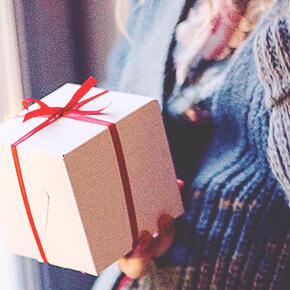 彼の星座から基本性格を知り、喜ばれるプレゼントの傾向を知る