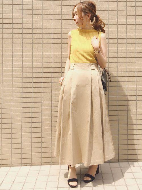 チノスカートできれいなお姉さんコーデ
