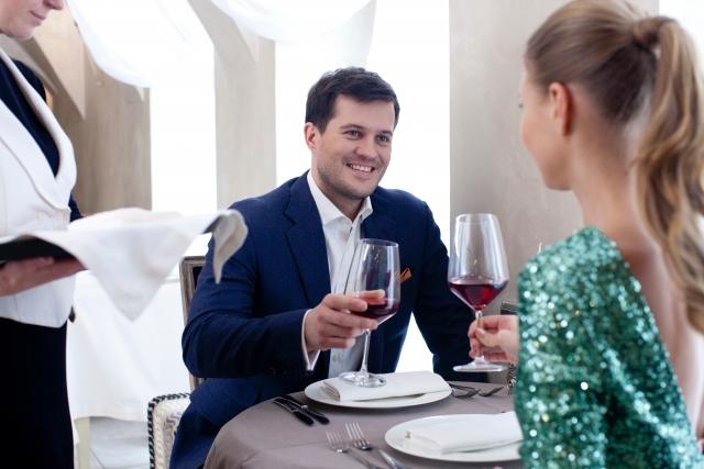 異性からサシ飲みに誘われたら、脈アリ? なし?
