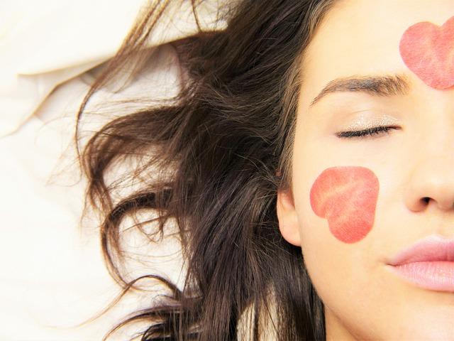 恋愛するとキレイになる?恋と美容の関係について