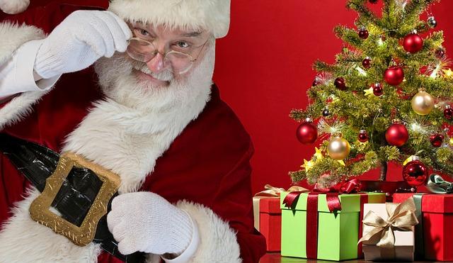 クリスマスツリーと飾りを使った願いを叶えるおまじない